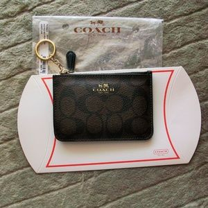 NWOT Coach Brown Signature C Key Chain Card Holder